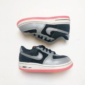 Girls Nike Sneakers Sz 7C